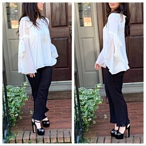 Gorgeous bell sleeves blouse